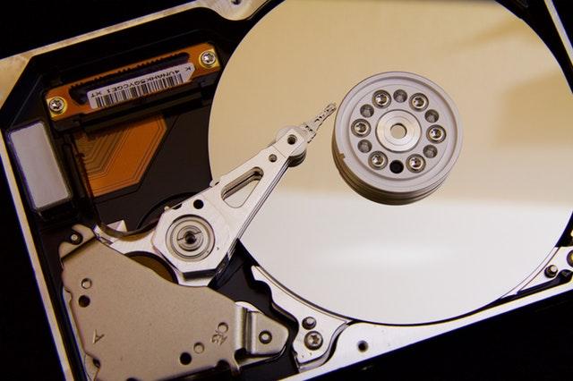 windows2008R2新增磁盘处于脱机状态解决办法